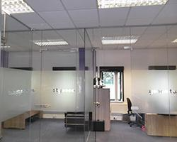 24/7 IT Services Office Glass